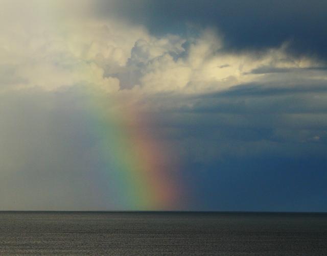 Rainbow at sea 2AM-8530_blog