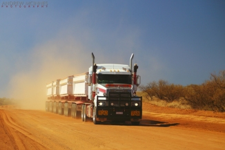 Roadtrain-2AM-002676