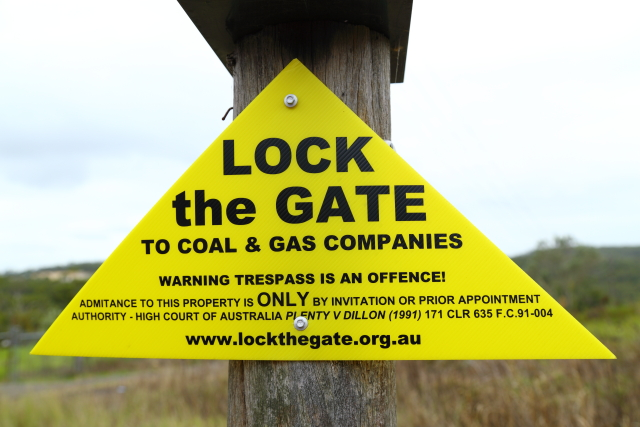 Lock the Gate 2AM-007873