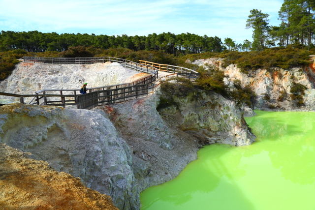 Devils Bath - Waiotapu 2AM-000107
