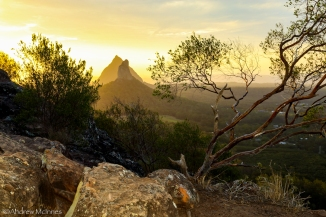 glasshouse-mountains-2am-004006