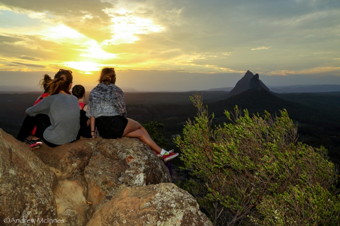 glasshouse-mountains-2am-004021